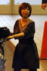 香取慎吾ってどうしてそこまで元女性マネージャーに拘るの? [無断転載禁止]©2ch.netYouTube動画>1本 ->画像>15枚