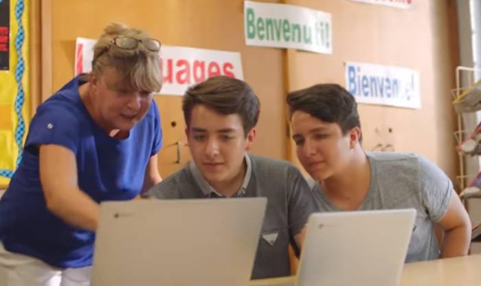 Chromebookは2000万人の生徒が使...