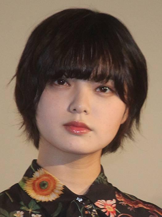 アイドルグループ「欅坂46」のエース・平手友梨奈(17)が7日、体調不良のため、千葉・幕張メッセで行われた7枚目のシングル「アンビバレント」発売記念全国握手