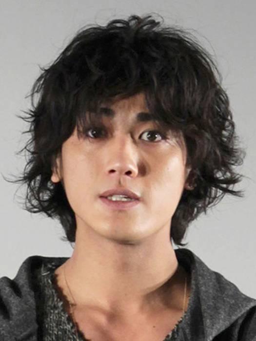 日本人トップは、男性6人組「CROSS GENE(クロスジン)」のTAKUYAこと寺田拓哉(25)の42位。韓国のアイドルグループ「防弾少年団」のV(キム・