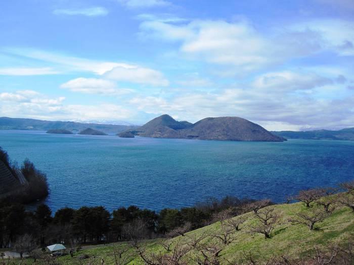 湖にダイナミックな岩石も!北海道洞爺湖町の自然が作る絶景5 ...