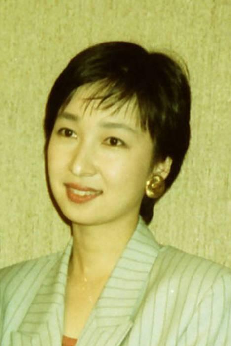 ニュースキャスターでエッセイストの浜尾朱美さん(はまお・あけみ、本名千葉朱美=ちば・あけみ)が14日、死去したことがわかった。徳島県出身、57歳だった。