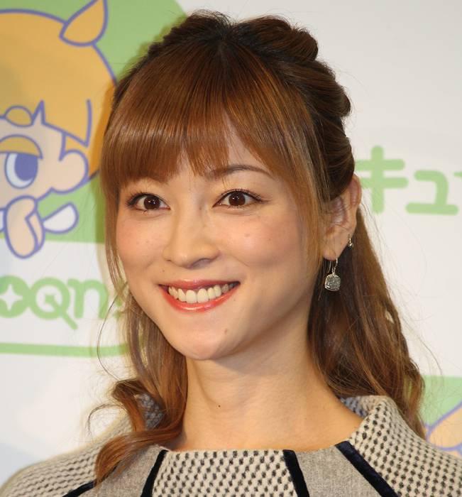 元「モーニング娘。」でタレントの吉澤ひとみ容疑者(33)が東京都内でひき逃げをしたとして、自動車運転処罰法違反などの疑いで、警視庁中野署に逮捕された。